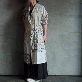 TOWAVASE Lu Cygne silk robe