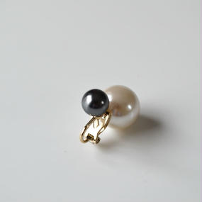 basic pearl rivets earing(dark gray)