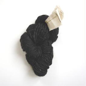 原毛手紡ぎ甘撚り ブラック