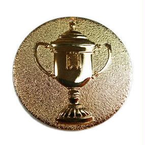 優勝カップメダル