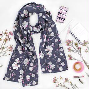 〝Magnolia Grey〟45×200cm 花柄 シルクスカーフ 北欧 スウェーデン