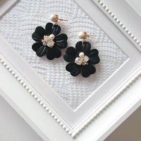 leatherflower*black