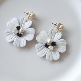 leatherflower*white