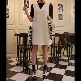 【2 Colors!! 2色】Side Frill Unique Dress (サイドフリル ユニークワンピ)