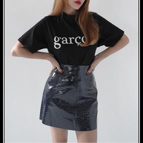 Croco Embossed Coated Mini Skirt (クロコ型押し光沢ミニスカート)