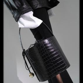 Croco Embossed Backet Bag (クロコ型押しバケツバッグ)