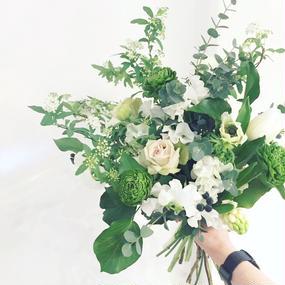 木曜−日曜到着/季節の花でつくる・おまかせブーケ