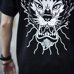 nutty clothing / STRAYDOG T-SHIRT