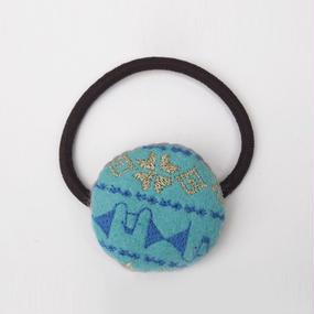 刺繍模様のフェルトまるヘアゴム002号【受注生産】