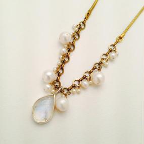 Moon stone / Pearl ネックレス