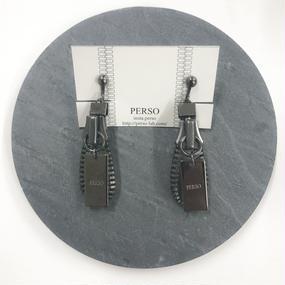 PERSO / ジッパーイヤリング ブラックニッケル