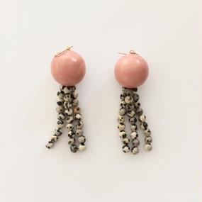 Earrings d アプリコットピンク