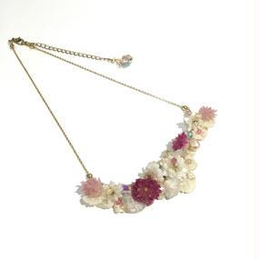 千日紅、紫陽花、アンモビューム、ポアプランツのネックレス
