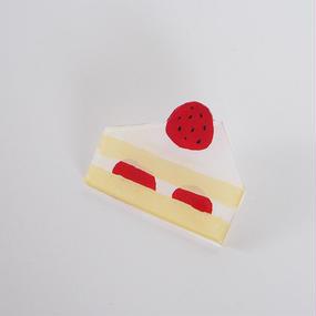 ショートケーキ プラバンブローチ