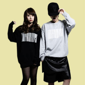 【Spring】Thanks Barcode Crew neck