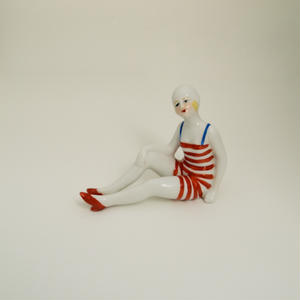 objet_striped swimsuit girl
