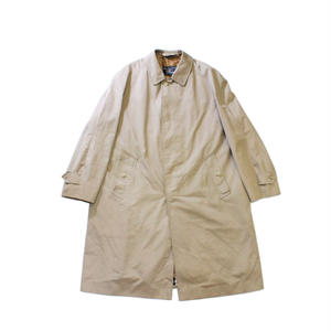Vintage / Burberrys trench coat from family style
