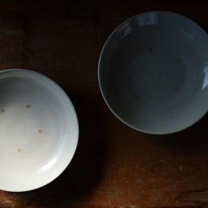 境 知子さん  白磁 小皿