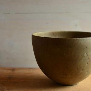 大江憲一さん すり鉢(チョコチップ釉)