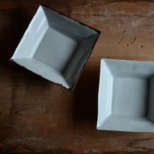 渡辺キエさん  青白磁 角小鉢正方形