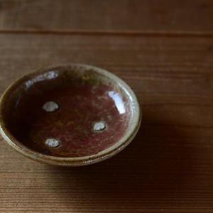 高田谷将宏さん 緑釉丸縁豆皿(目跡あり)