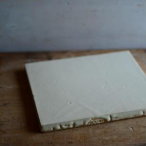 【5月30日以降発送】船串篤司さん オリジナルチーズプレート白5とチーズのセット