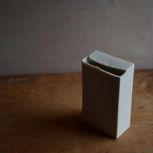 白石陽一さん 白磁 花器(長方形B)