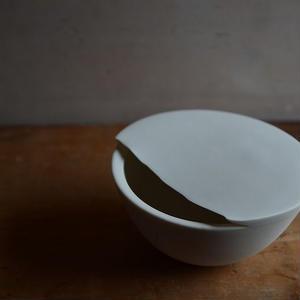 白石陽一さん 白磁 花器(半球)
