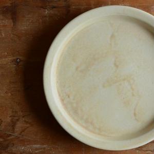 加藤かずみさん 7寸皿 アイボリー