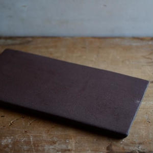 【5月30日以降発送】kei condoさん オリジナルチーズプレート レクタングル  ダークレッド Sとチーズのセット