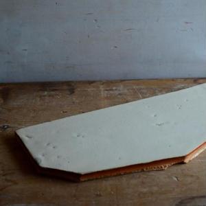 【5月30日以降発送】船串篤司さん オリジナルチーズプレート白2とチーズのセット