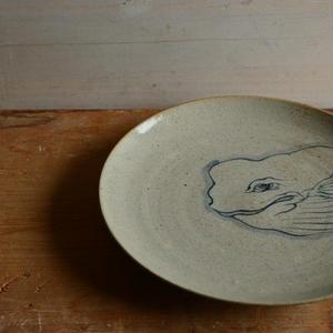 沼田智也さん 染付 鯨文6.5寸皿