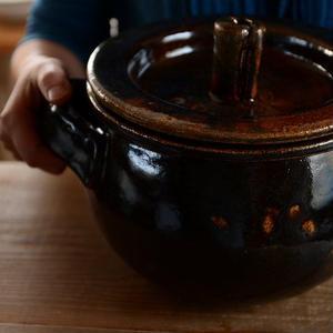 壷田和宏さん  土鍋 (飴釉)