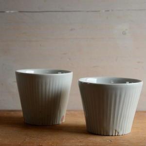 壷田亜矢さん  白磁 しのぎフリーカップ
