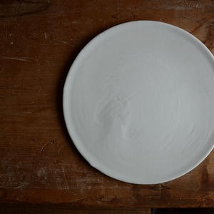 白石陽一さん 白磁 丸皿(無垢)