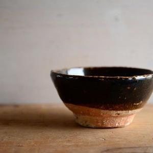 壷田和宏さん  飴釉 飯碗