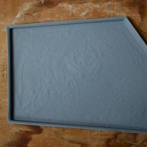 白石陽一さん 変形皿 グレイ3