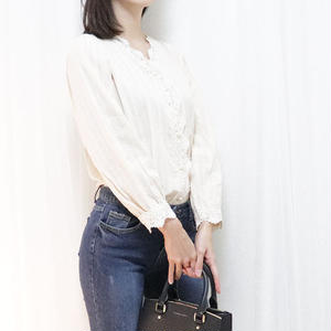 pearl button blouse(ivory/black)