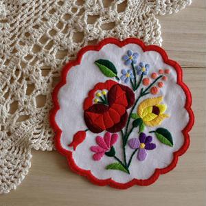 【ハンガリー刺繍キット】カロチャのドイリー