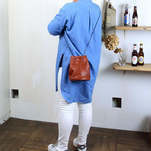 ANNAK アマンダオイル 巾着2WAYショルダーバッグ ブラウン AK18TA-A0089