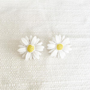 used marguerite earring