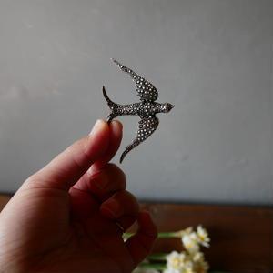 フランスアンティーク 幸せのツバメ ブローチ