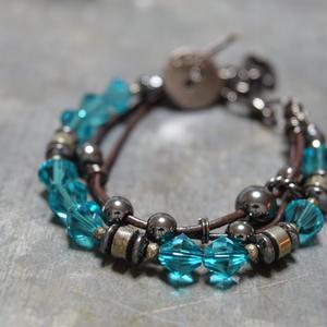 スワロフスキー レザーレイヤーブレス〈アクアブルー〉''swarovski leather layer bracelet(AQUA BLUE)''