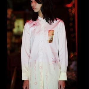 唐辛子とサフランのシャツ