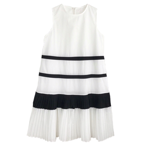 Bi-color Pleats Flare One-piece (White)