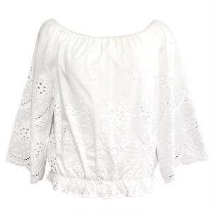 Scallop Embroidery Off-shoulder Blouse (White)