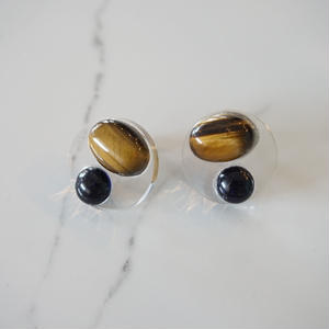 CAAN //ピアス tiger eye x black