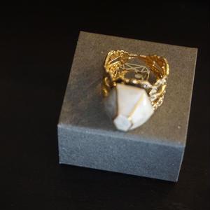 chasochimi // ring (white)