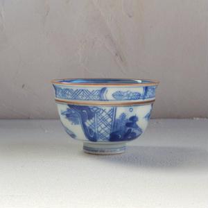 古道具 染付の煎茶碗 (口紅)