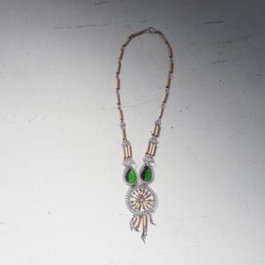 antiques 緑のストーン付きネックレス